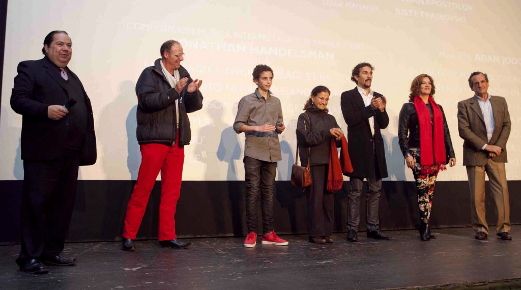 Alex Doll junto a los protagonistas de La Danza de la Realidad que participaron de la Avant Premiere en Chile.